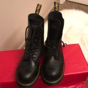 Dr Doc Martens steel toe Black Boots Air Wair 11